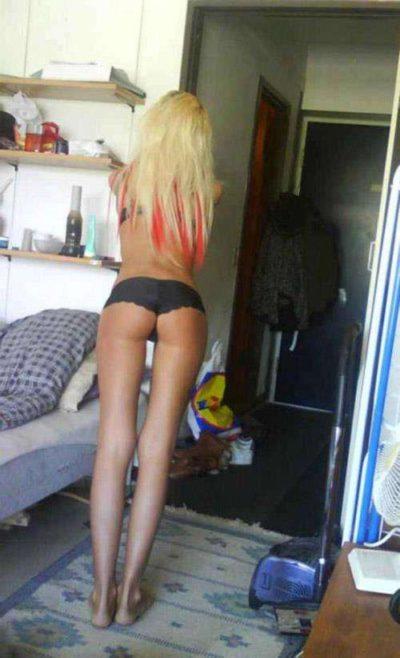 Belle blonde cherche soirées sextape sur paris