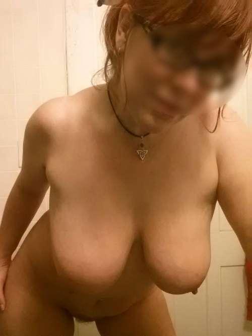 Rencontre sexy avec Valerianna la mature rousse